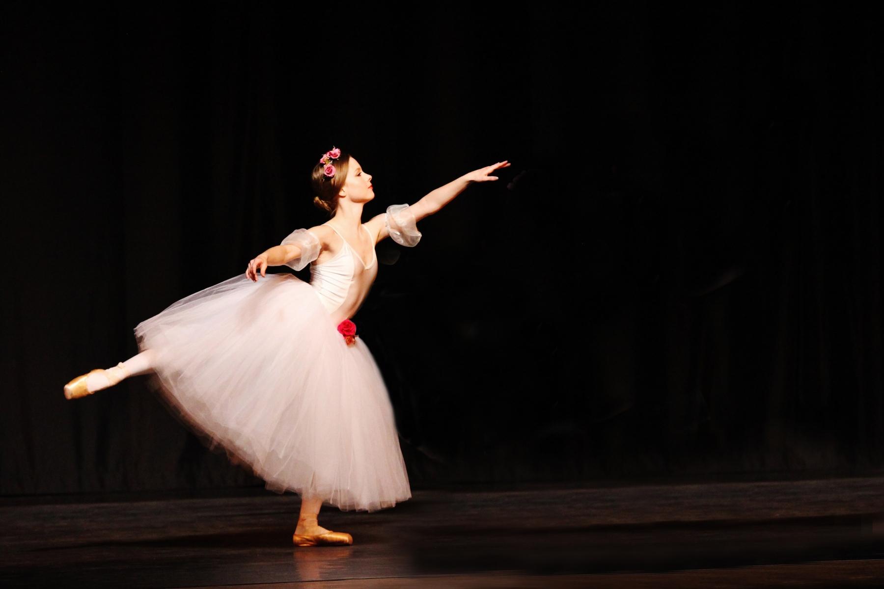 Ballerina 19