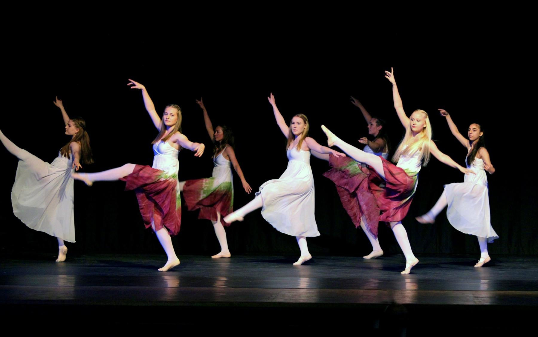 Contemporary Ballet 8