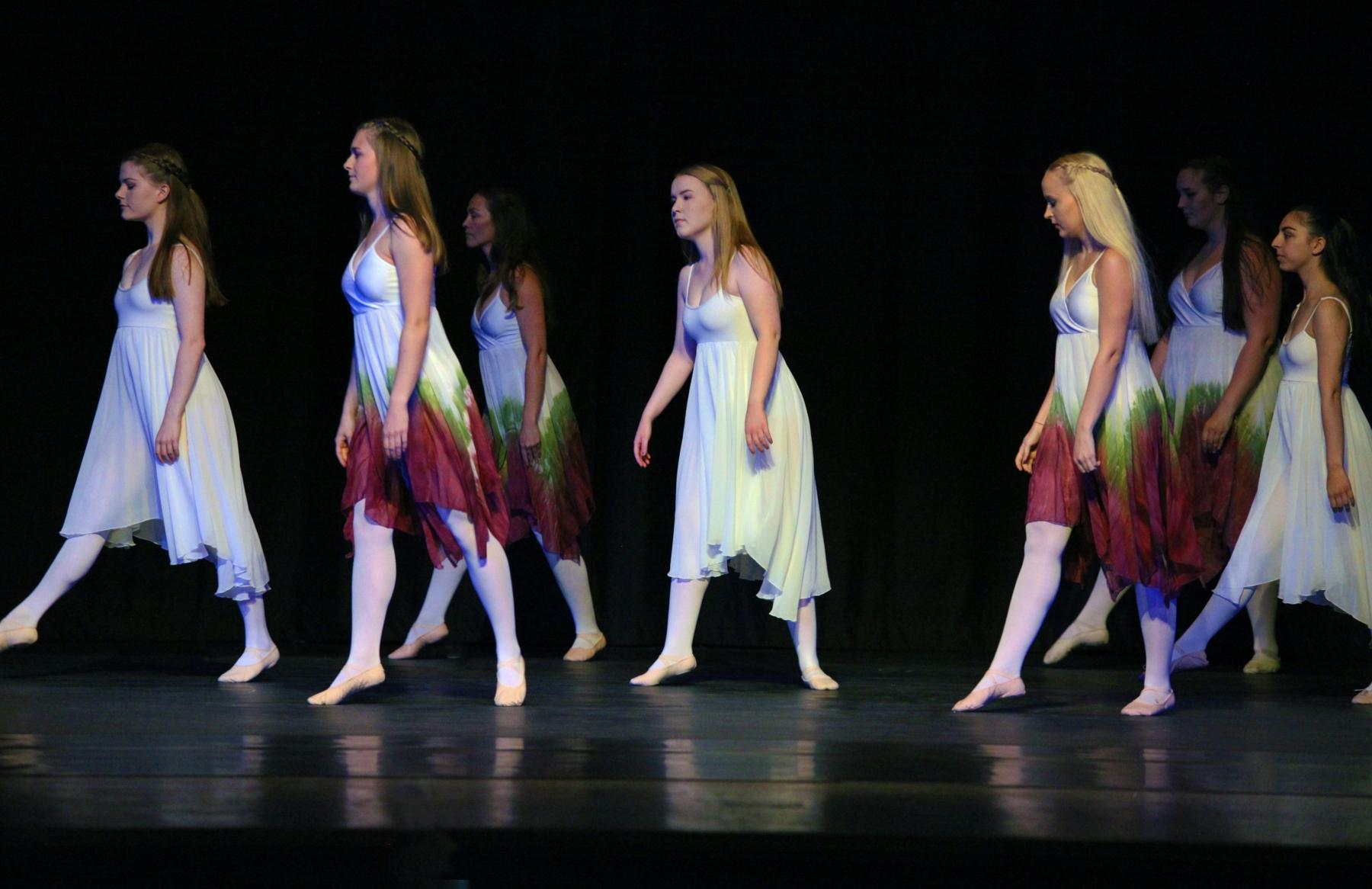 Contemporary Ballet 11