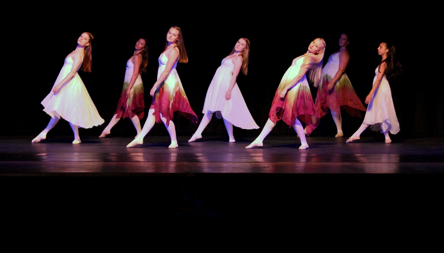 Contemporary Ballet 15